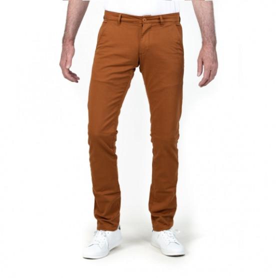 pantalon chino couleur caramel